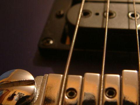 Guitar_strings.jpg