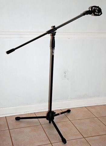 Tripod_microphone_stand.jpg